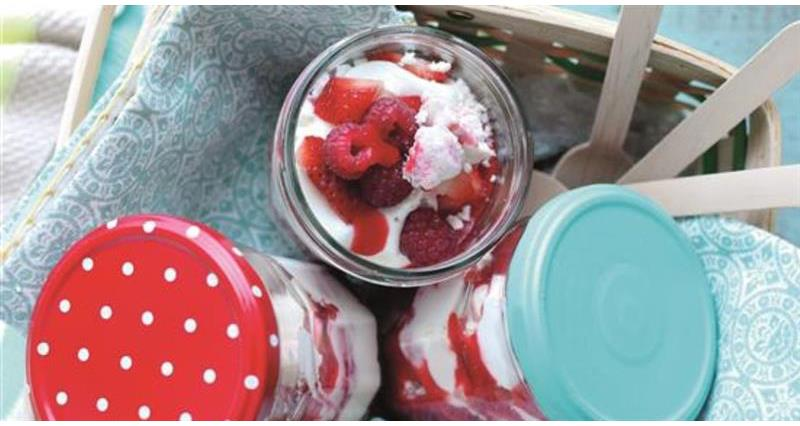 Strawberry and raspberry ripple eton mess