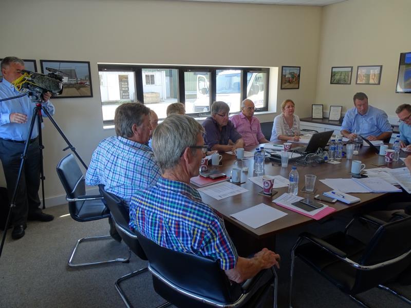 Drought meeting James Foskett farms_56597