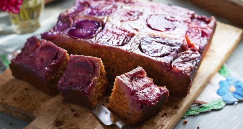 Gingery plum cake